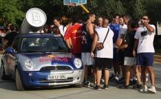 Red Bull repartió refrescos a los participantes